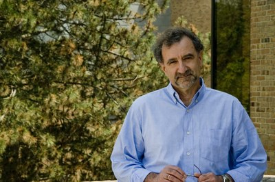Panos Papalambros Receives Award for Outstanding Engineering Education